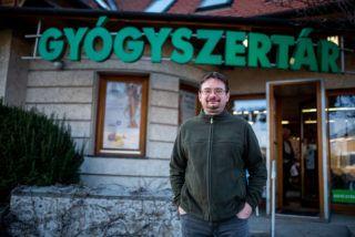 Image: 73877967, Dér Péter gyógyszerész, Place: Budapest, Hungary, Model Release: No or not aplicable, Property Release: Yes, Credit: smagpictures.com