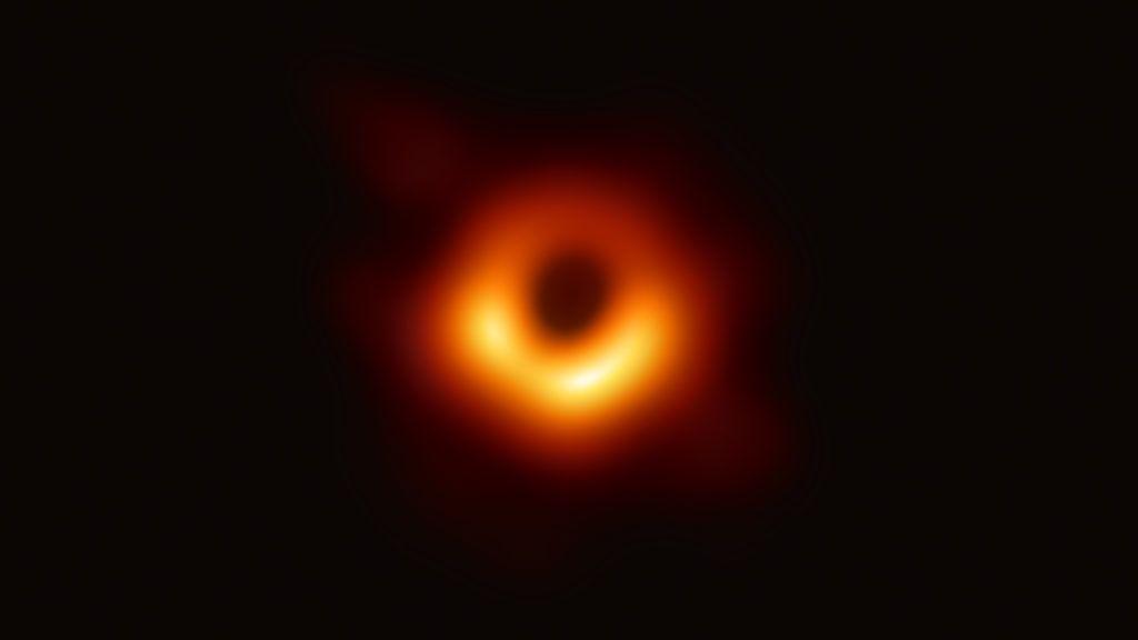 (190410) -- SHANGHAI, April 10, 2019 (Xinhua) -- Photo provided by the Event Horizon Telescope (EHT) shows the first image of a black hole. (Xinhua/EHT)