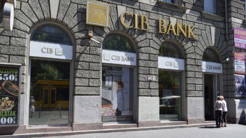 Budapest, 2017. augusztus 14. A CIB Bank fiókja a Teréz körút 17-ben. MTVA/Bizományosi: Róka László  *************************** Kedves Felhasználó! Ez a fotó nem a Duna Médiaszolgáltató Zrt./MTI által készített és kiadott fényképfelvétel, így harmadik személy által támasztott bárminemû – különösen szerzõi jogi, szomszédos jogi és személyiségi jogi – igényért a fotó készítõje közvetlenül maga áll helyt, az MTVA felelõssége e körben kizárt.