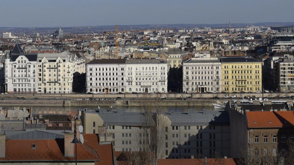 Budapest, 2019. február 23. Balra épül az új országgyûlési irodaház a Kossuth téren, a MTESZ székház helyén, mellette elõrébb az  Igazságügyi Minisztérium épülete, jobbra a sárga épület, a Nemzeti Adó- és Vámhivatal (NAV) igazgatósága a Széchenyi u. 2-ben. MTVA/Bizományosi: Róka László  *************************** Kedves Felhasználó! Ez a fotó nem a Duna Médiaszolgáltató Zrt./MTI által készített és kiadott fényképfelvétel, így harmadik személy által támasztott bárminemû – különösen szerzõi jogi, szomszédos jogi és személyiségi jogi – igényért a fotó készítõje közvetlenül maga áll helyt, az MTVA felelõssége e körben kizárt.