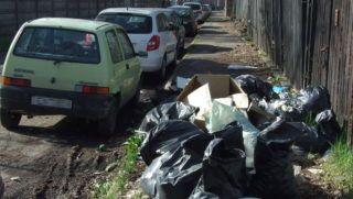 Budapest, 2016. február 22. Engedély nélkül lerakott, építési hulladékot tartalmazó mûanyag zsákok a fõváros XI. kerülete egyik kis forgalmú zsákutcájának járdáján. MTVA/Bizományosi: Jászai Csaba  *************************** Kedves Felhasználó! Ez a fotó nem a Duna Médiaszolgáltató Zrt./MTI által készített és kiadott fényképfelvétel, így harmadik személy által támasztott bárminemû – különösen szerzõi jogi, szomszédos jogi és személyiségi jogi – igényért a fotó készítõje közvetlenül maga áll helyt, az MTVA felelõssége e körben kizárt.