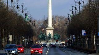 Budapest, 2018. február 4. A Millenniumi emlékmû (másként Ezredévi emlékmû) a Hõsök terén, az Andrássy út részletével. MTVA/Bizományosi: Jászai Csaba  *************************** Kedves Felhasználó! Ez a fotó nem a Duna Médiaszolgáltató Zrt./MTI által készített és kiadott fényképfelvétel, így harmadik személy által támasztott bárminemû – különösen szerzõi jogi, szomszédos jogi és személyiségi jogi – igényért a fotó készítõje közvetlenül maga áll helyt, az MTVA felelõssége e körben kizárt.