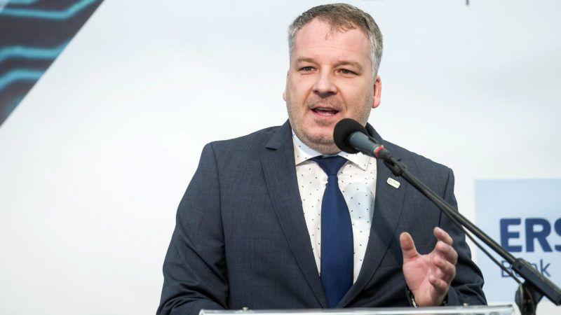 Hatvan, 2017. szeptember 15.Horváth Richárd polgármester beszédet mond a Bosch német iparvállalat regionális logisztikai központjának alapkőletételi ünnepségén Hatvanban 2017. szeptember 15-én.MTI Fotó: Komka Péter