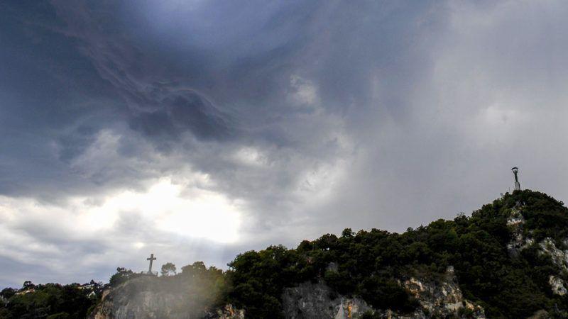 Budapest, 2017. augusztus 6.Zivatarfelhők Budapesten a Gellért-hegy felett 2017. augusztus 6-án.MTI Fotó: Koszticsák Szilárd