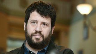Budapest, 2019. március 13. Puzsér Róbert, az LMP által támogatott független főpolgármester-jelölt a Karácsony Gergellyel, a Párbeszéd társelnökével, a baloldali pártok főpolgármester-jelöltjével, a Válasz Online által szervezett beszélgetésen a budapesti Centrál kávéházban 2019. március 13-án. Mindkét jelölt hajlandó visszalépni a másik javára, ha veszít a nyárra tervezett előválasztáson. MTI/Koszticsák Szilárd