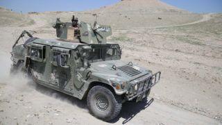 Csaparhar, 2019. április 22. A tálib fegyveresek után kutató afgán biztonsági alakulatok tagjainak gépjármûve a Nangarhar kelet-afganisztáni tartományban lévõ Csaparhar térségben 2019. április 21-én. MTI/EPA/Ghulamullah Habibi