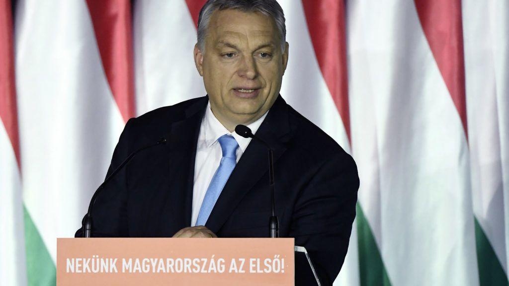 Budapest, 2019. április 5. Orbán Viktor miniszterelnök beszédet mond a Parlamenti Szalon címû rendezvényen a Bálna Budapest rendezvényközpontban 2019. április 5-én. Az eseményen ismertetik a Fidesz európai parlamenti választási programját. MTI/Koszticsák Szilárd