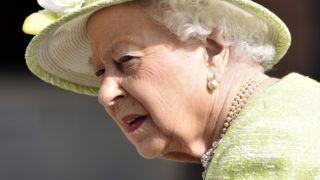 Ditcheat, 2019. március 28. II. Erzsébet brit uralkodó látogatást tesz a Manor Farm nevû lovasudvarban a délnyugat-angliai Ditcheat településen 2019. március 28-án. MTI/EPA/Neil Mumms