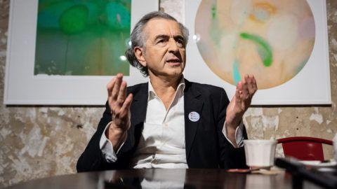 Bernard-Henri Lévy interjú április 9.-én, a budapesti Brody Studios épûletében.