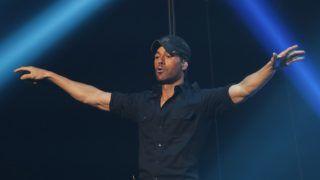 LAS VEGAS, NEVADA - JANUARY 26:  Enrique Iglesias performs during Calibash Las Vegas at T-Mobile Arena on January 26, 2019 in Las Vegas, Nevada.  (Photo by Steve Marcus/Getty Images)
