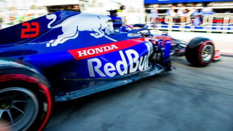 MELBOURNE, AUSTRALIA - MARCH 15: Alex Albon of Scuderia Toro Rosso and Thailand during practice for the F1 Grand Prix of Australia at Melbourne Grand Prix Circuit on March 15, 2019 in Melbourne, Australia. (Photo by Peter Fox/Getty Images)