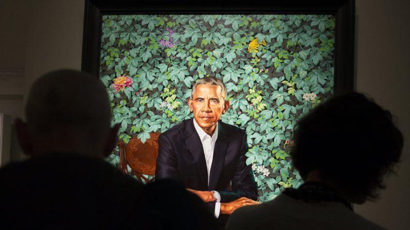Washington, 2018. február 13. Látogatók Barack Obama volt amerikai elnök portréja elõtt a washingtoni Smithsonian Afrikai Amerikai Történelem és Kultúra Nemzeti Múzeumában 2018. február 13-án, egy nappal az alkotás leleplezése után. (MTI/EPA/Shawn Thew)