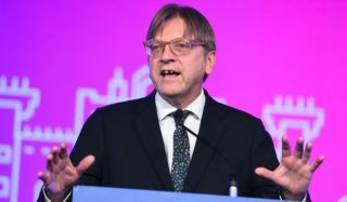 Madrid, 2018. november 9. Guy Verhofstadt, a Liberálisok és Demokraták Szövetsége Európáért (ALDE) pártcsoport frakcióvezetõje felszólal a csoport kétnapos madridi kongresszusának nyitónapján, 2018. november 9-én. MTI/EPA/EFE/Fernando Villar