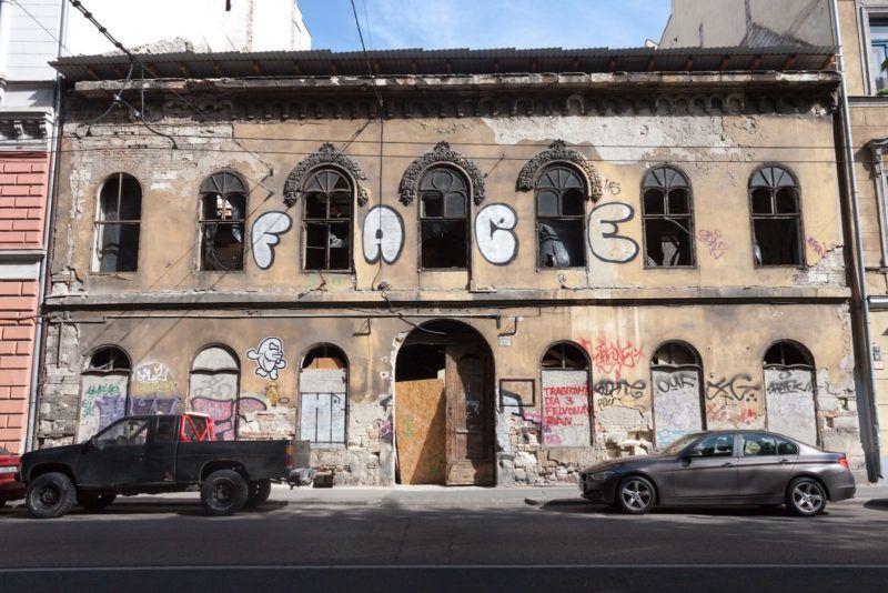 Furcsa öszvérré változik a Palotanegyed egyik legidősebb lakóháza 1