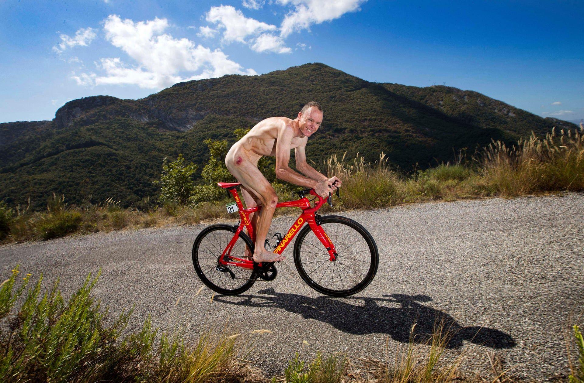 Chris Froome teker a Col De La Madone-n Franciarországban a Sporting Body című magazinnak készülő fotókhoz. Fotó: Marc Aspland / The Times /  thebppa