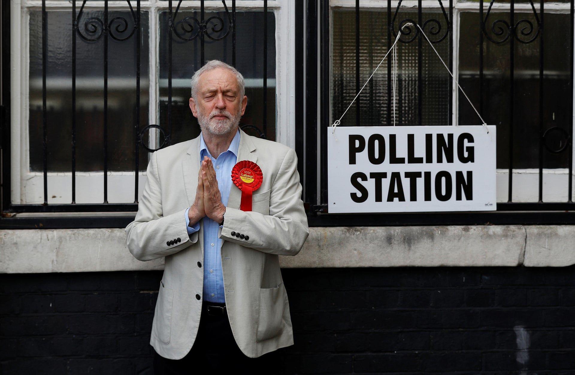 Jeremy Corbyn a Munk‡sp‡rt elnškemiut‡n szavazott az šnkorm‡nyzati v‡laszt‡sokon. Fot—: Peter Nicholls/Reuters/ thebppa