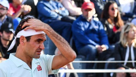 Switzerland's Roger Federer reacts as he lose a point against Croatia's Borna Coric during their ATP Masters tournament tennis match on May 16, 2019 at the Foro Italico in Rome. (Photo by Andreas SOLARO / AFP)