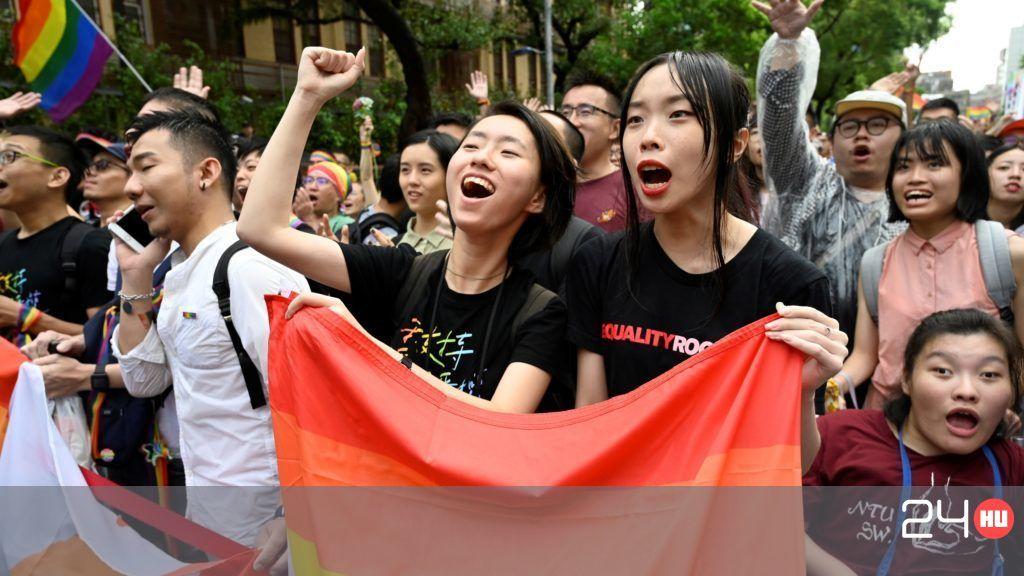 ázsiai leszbikus párok kemény ében házi pornó