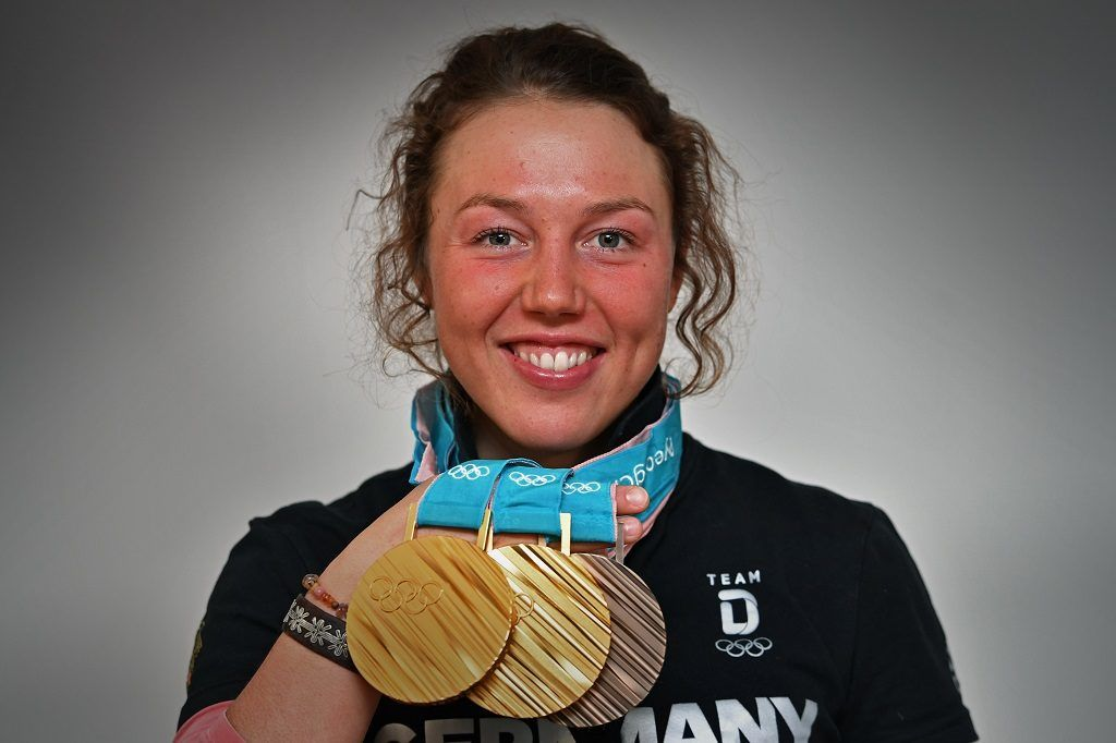 Laura DAHLMEIER finishes her career with 25 Archive photo: Double Olympic champion Laura DAHLMEIER (GER) with her medals won at the 2018 Winter Olympics in PyeongChang / South Korea, DSV press appointment with Laura DAHLMEIER on 02.03.2018, biathlon.   Usage worldwide