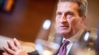 03 April 2019, Berlin: G¸nther Oettinger (CDU), EU Commissioner for Budget and Personnel, speaks in a dpa interview. (to dpa from 05.04.2019) Photo: Kay Nietfeld/dpa