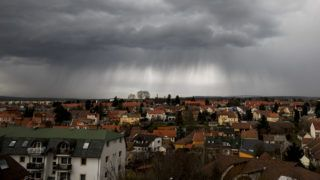 Nagykanizsa, 2018. március 14.Zivatarfelhő Nagykanizsa felett 2018. március 14-én.MTI Fotó: Varga György