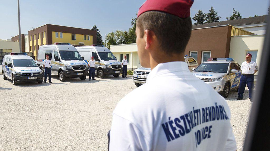 Nagykanizsa, 2018. augusztus 22.Rendőrségi autók a Készenléti Rendőrség nagykanizsai határvadász bevetési osztályának elhelyezésére szolgáló épület udvarán 2018. augusztus 22-én.MTI Fotó: Varga György