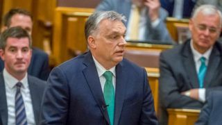 Budapest, 2019. május 27.Orbán Viktor miniszterelnök (k) felszólal az Országgyűlés plenáris ülésén 2019. május 27-én.MTI/Balogh Zoltán