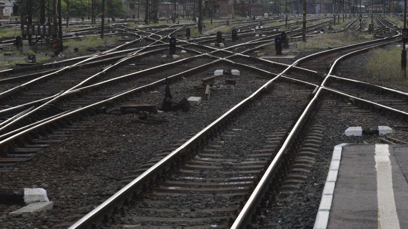 Budapest, 2019. május 13. Üres vágányok a Keleti pályaudvarnál 2019. május 13-án reggel. Ettõl a napról két hétre, május 26-ig  zárva tart a Keleti pályaudvar karbantartás miatt. A lezárás idején a vonatok nem érintik a Keletit, minden járat induló- és végállomása más pályaudvarokra és állomásokra kerül át. MTI/Máthé Zoltán