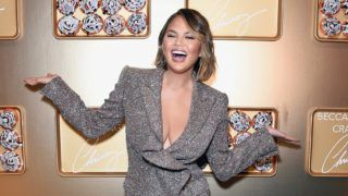 LOS ANGELES, CA - OCTOBER 20:  Chrissy Teigen attends SEPHORiA: House of Beauty ? Session One at The Majestic Downtown on October 20, 2018 in Los Angeles, California.  (Photo by Presley Ann/Getty Images for Sephora)