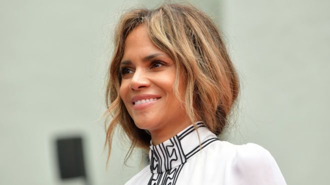 HOLLYWOOD, CALIFORNIA - MAY 14: Halle Berry attends a handprint ceremony honoring Keanu Reeves at the TCL Chinese Theatre IMAX forecourt on May 14, 2019 in Hollywood, California. (Photo by Rodin Eckenroth/FilmMagic)