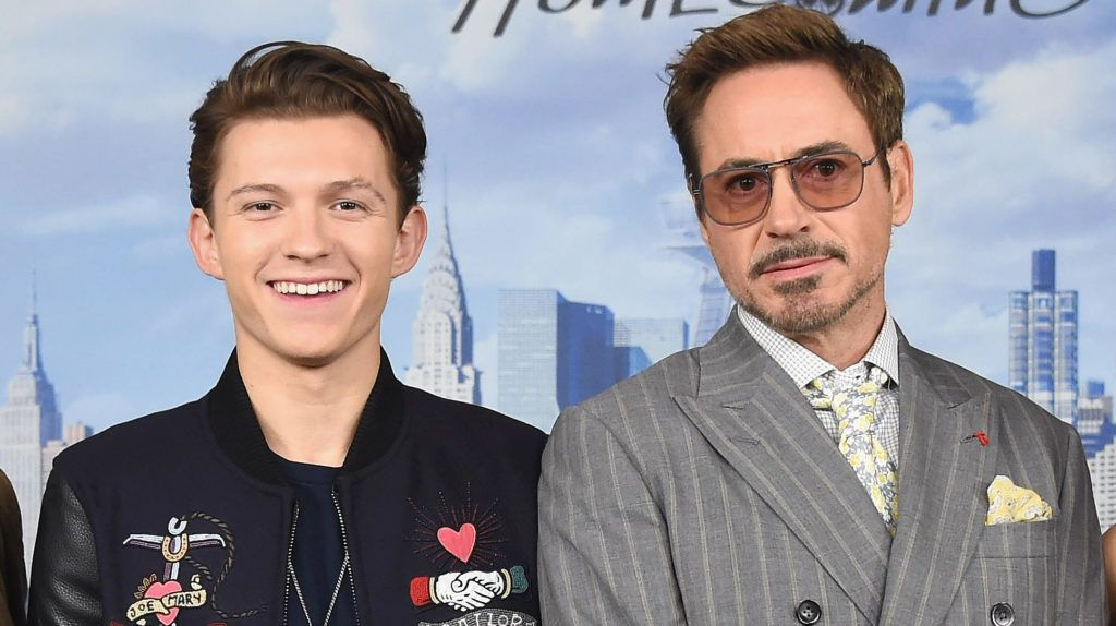 """NEW YORK, NY - JUNE 25:  (L-R) Actors Michael Keaton, Tom Holland, Robert Downey Jr. and Marisa Tomei attend the """"Spiderman: Homecoming"""" New York photo call at the Whitby Hotel on June 25, 2017 in New York City.  (Photo by Gary Gershoff/WireImage)"""