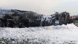 Moszkva, 2019. május 6. A Moszkvai Hírügynökség képén a kiégett roncs a moszkvai Seremetyevói repülõtéren 2019. május 5-én, miután az elõzõ nap az Aeroflot orosz légitársaság Szuhoj SSJ-100-as típusú utasszállító repülõgépe kényszerleszállást hajtott végre, majd kigyulladt. A fedélzeten tartózkodó hetvennyolc ember közül negyvenegyen életüket vesztették, ketten súlyosan megsérültek. MTI/EPA