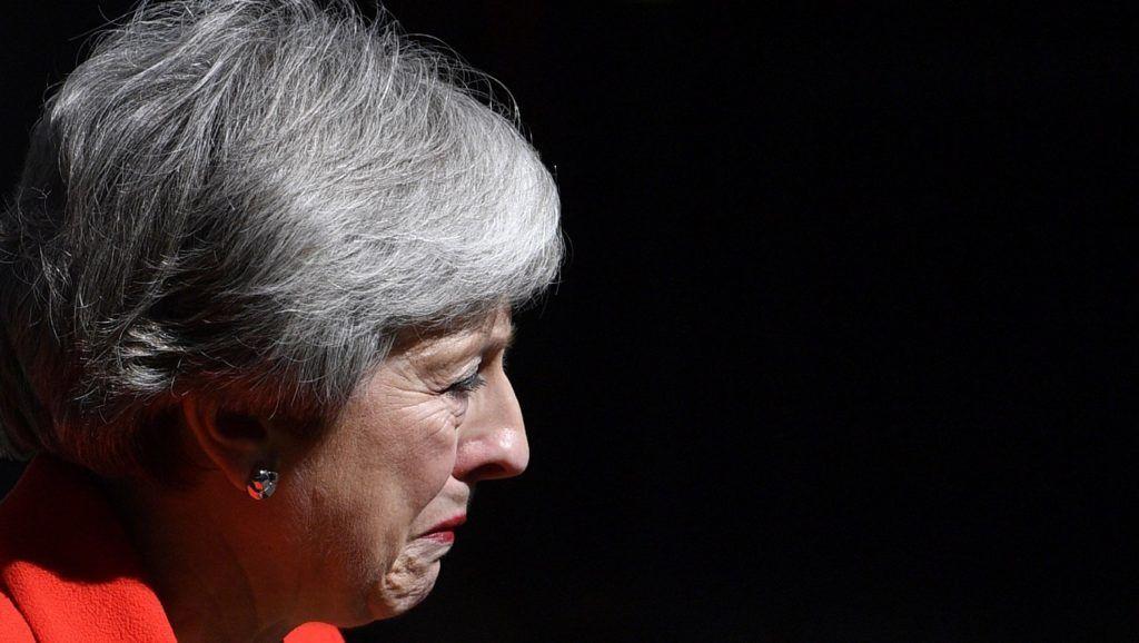 London, 2019. május 24. Theresa May brit miniszterelnök sajtóértekezletet tart a londoni kormányfõi rezidencia, a Downing Street 10. elõtt 2019. május 24-én. May bejelentette, hogy június 7-én távozik a kormányzó Konzervatív Párt és a kormány élérõl. MTI/EPA/Neil Hall