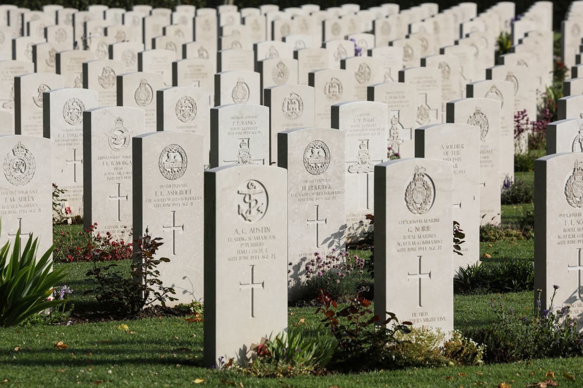 A picture shows graves at the Commonwealth Bayeux War Cemetery in Bayeux, Normandy, north-western France, on June 5, 2019, as part of D-Day commemorations marking the 75th anniversary of the World War II Allied landings in Normandy. (Photo by Ludovic MARIN / AFP)