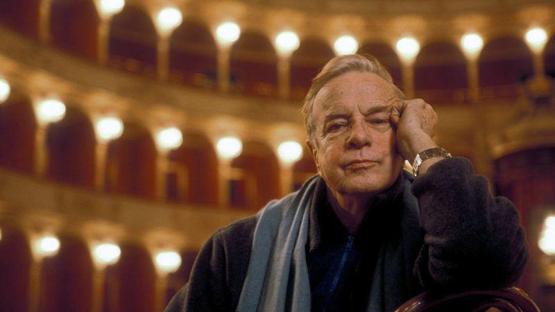 Portrait du realisateur italien Franco Zeffirelli au Teatro dell'Opero de Rome en 2000. ©Marcello Mencarini/Leemage