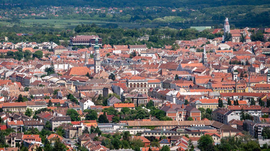 Image: 73895471, Sopron - riport az Ausztriába ingázó munkavállalókról, Place: Sopron, Hungary, Model Release: No or not aplicable, Property Release: Yes, Credit: smagpictures.com