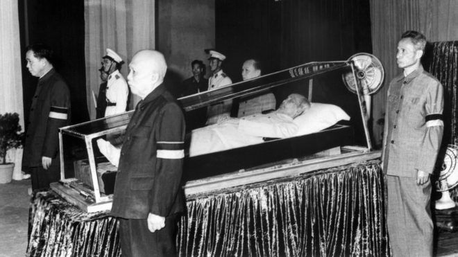 Members of the vietnamese communist party surround the body of North Vietnamese President Ho Chi Minh, on September 12, 1969 in Hanoi during his state funeral. From left to right : Le Duan, first secretary of the vietnamese communist party, Ton Duc Thang, vice-president, Truong Chinh, member of the political bureau and Pham Van Dong, Prime Minister. Ho Chi Minh (1890-1969), the founder of the communist-governed Democratic Republic of Vietnam in 1945, died on September 02, 1969 in Hanoi. (Photo by AFP)