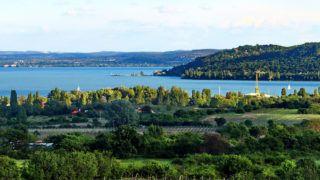 Balatonfüred, 2019. április 27. Látkép a Balatonról és a Balaton-felvidéki borvidékről. MTVA/Bizományosi: Farkas Melinda ***************************Kedves Felhasználó!Ez a fotó nem a Duna Médiaszolgáltató Zrt./MTI által készített és kiadott fényképfelvétel, így harmadik személy által támasztott bárminemű – különösen szerzői jogi, szomszédos jogi és személyiségi jogi – igényért a fotó szerzője/jogutódja közvetlenül maga áll helyt, az MTVA felelőssége e körben kizárt.