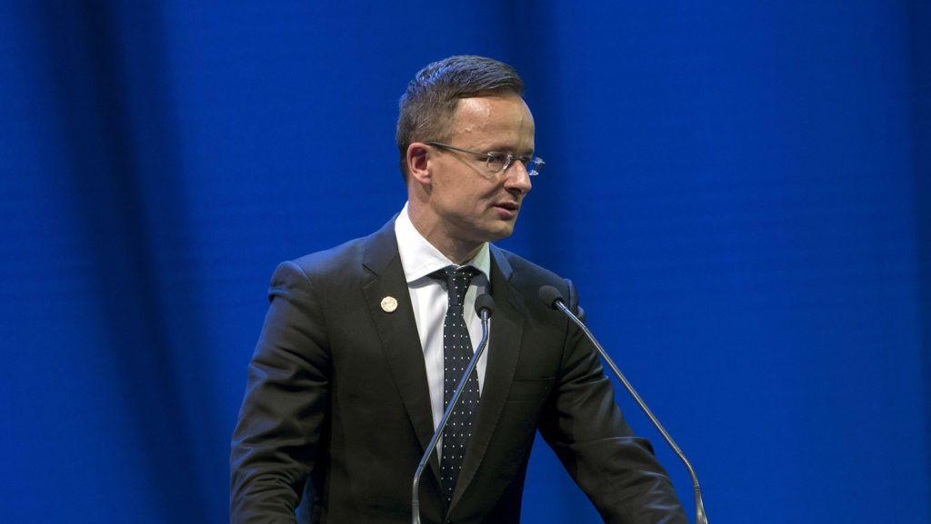 Ljubljana, 2019. június 5. A Külgazdasági és Külügyminisztérium (KKM) által közreadott képen Szijjártó Péter külgazdasági és külügyminiszter beszédet mond a 12 kelet- és közép-európai uniós országot tömörítõ Három Tenger Kezdeményezés államfõi csúcstalálkozójának üzleti fórumán Ljubjanában 2019. június 5-én. MTI/KKM/Burger Zsolt