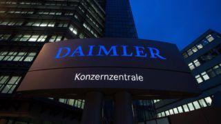 Stuttgart, 2015. február 5. A Daimler AG német jármûgyártó székháza Stuttgartban 2015. február 5-én. Ezen a napon ismertetik a társaság elõzõ évi üzleti eredményeit. (MTI/EPA/Marijan Murat)