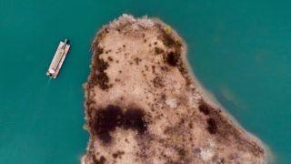 Nyékládháza, 2019. március 22.Úszókotró hajó az István-tavon Nyékládháza közelében 2019. március 19-én. Az ENSZ március 22-ét nyilvánította a víz világnapjává, amelynek célja a környezet és ezen belül a Föld vízkészletének védelme.MTI/Czeglédi Zsolt