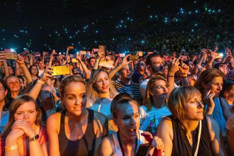 Budapest, 2019. jœnius 25.KšzšnsŽg az amerikai Backstreet Boys egyŸttes koncertjŽn a Papp L‡szl— Budapest SportarŽn‡ban 2019. jœnius 25-Žn.MTI/Mohai Bal‡zs