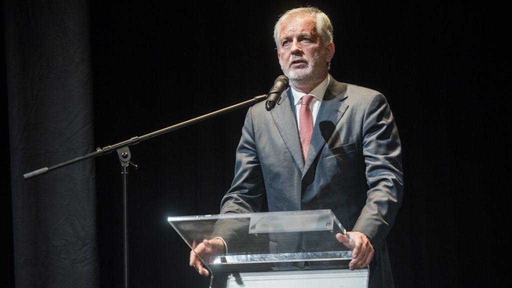 Pécs, 2018. április 19. Páva Zsolt (Fidesz-KDNP) polgármester beszédet mond a megújult és kibõvített Pécsi Horvát Színház átadóünnepségén 2018. április 19-én. MTI Fotó: Sóki Tamás