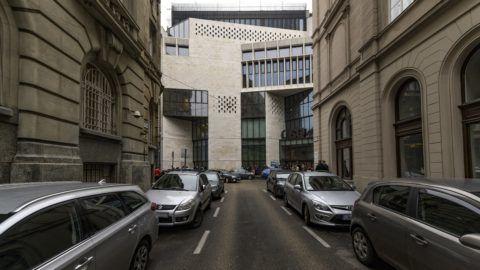 Budapest, 2018. december 3. A CEU (Central-European University) V. kerületi Nádor utcai épülete 2018. december 3-án. A CEU minden amerikai akkreditációjú programját Bécsben indítja el 2019 szeptemberében - közölte az egyetem ezen a napon, jelezve: az intézmény megõrzi magyar egyetemi akkreditációját. MTI/Szigetváry Zsolt