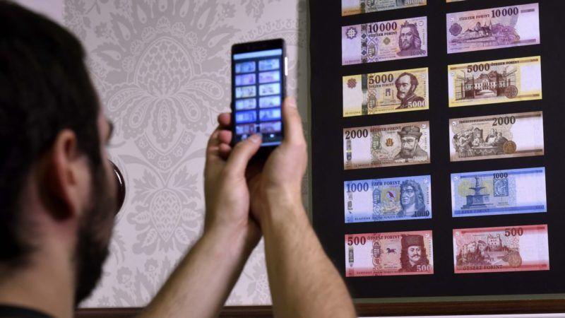 Budapest, 2018. július 3. A forgalomban lévõ bankjegyek, alul az új 500 forintos az MNB Teátrumában tartott sajtótájékoztatón 2018. július 3-án. Az MNB 2014-ben megkezdett bankjegycsereprogramja hamarosan lezárul, a sorozat utolsó elemeként megújult az 500 forintos is. A most használatos 500 forintos bankjegyekkel 2019. október 31-ig lehet fizetni. MTI Fotó: Bruzák Noémi