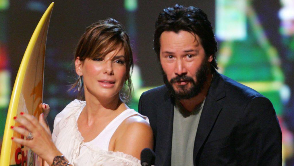 "Sandra Bullock and Keanu Reeves, winners Choice Liplock for ""The Lake House"" (Photo by John Shearer/WireImage)"