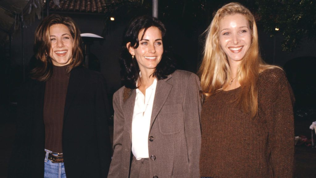 1995:  American actress Jennifer Aniston, American actress Courteney Cox and American actress Lisa Kudrow of the television comedy, Friend's circa 1995.  (Photo by Ron Davis/Getty Images)