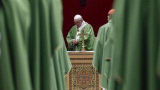 Vatikánváros, 2019. február 24. Ferenc pápa misét pontifikál a gyermekek szexuális visszaélésekkel szembeni védelmérõl rendezett négynapos püspöki értekezlet utolsó napján a Vatikánban 2019. február 24-én. MTI/EPA-ANSA/Giuseppe Lami