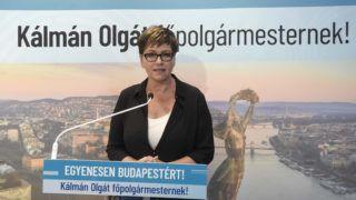 Budapest, 2019. június 27. Kálmán Olga, a Demokratikus Koalíció (DK) fõpolgármester-jelöltje sajtótájékoztatót tart a párt központi irodájában 2019. június 27-én. Miután Karácsony Gergely, az MSZP-Párbeszéd politikusa nyerte az ellenzék a június 20. és június 26. között rendezett fõpolgármester-jelölti elõválasztását, Kálmán Olga bejelentette, hogy a (DK) azon dolgozik a jövõben, hogy Karácsony Gergely az ellenzéki tábor sikeres fõpolgármester-jelöltje legyen. MTI/Bruzák Noémi