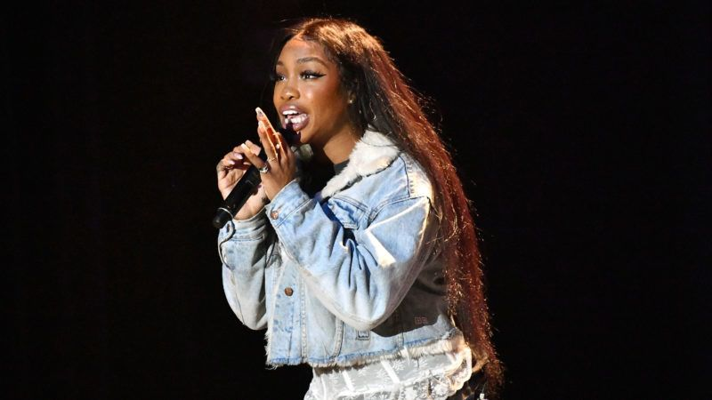 LOS ANGELES, CA - OCTOBER 31:  Singer SZA performs onstage during the Mac Miller: A Celebration of Life benefit concert on October 31, 2018 in Los Angeles, California.  (Photo by Scott Dudelson/Getty Images)